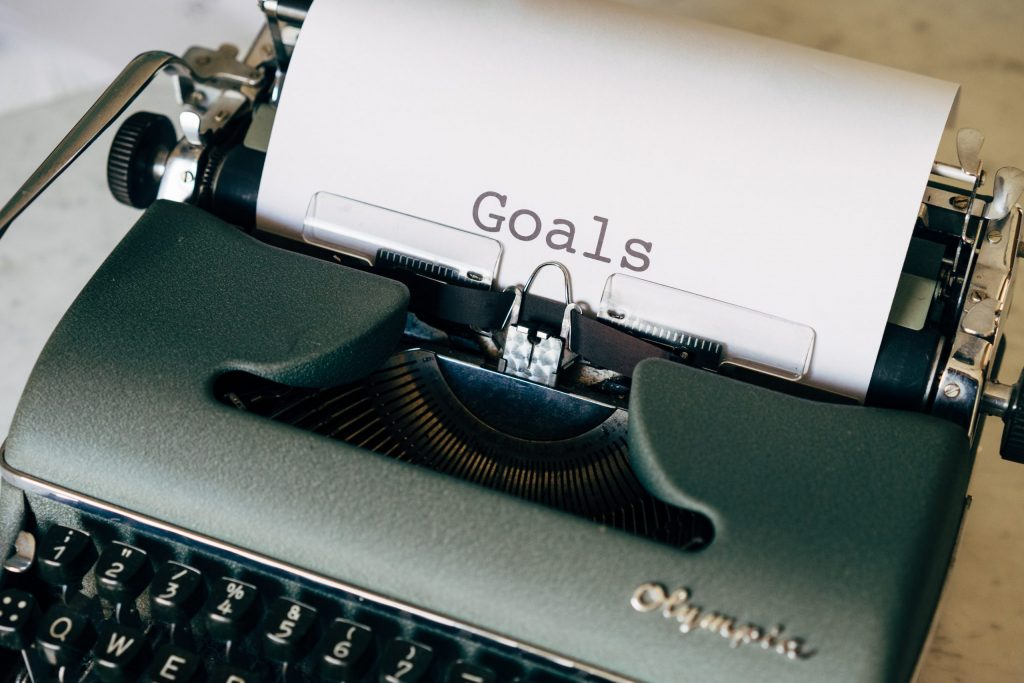 Goal Setting For Maximum Success - Background Image